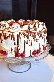 Prawdziwa bomba kaloryczna, ale za to jaka pyszna. Jeden kawałek i jesteśmy nasyceni. Tym razem tort nie jest przełożony samą śmietaną, bo...