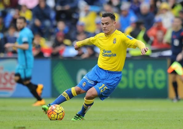 #rumors  Transfer news: Arsenal and Leicester City keeping tabs on Las Palmas star Roque Mesa