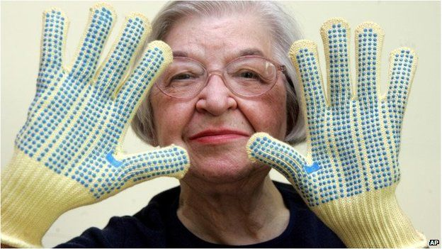The inventor of Kevlar, Stephanie Kwolek, the lightweight fibre used in bulletproof vests and body armour, has died aged 90.