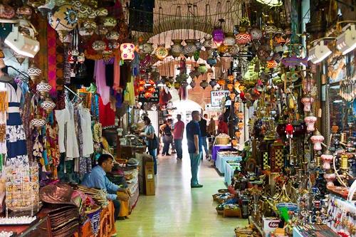 the bazaar in Izmir