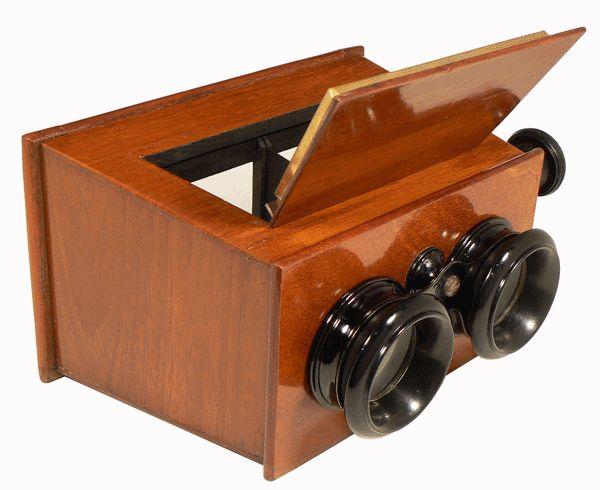 I believe i have one just like this!  Le Compendium - Stéréoscope - Stéréoscope de Brewster - vue stéréoscopique
