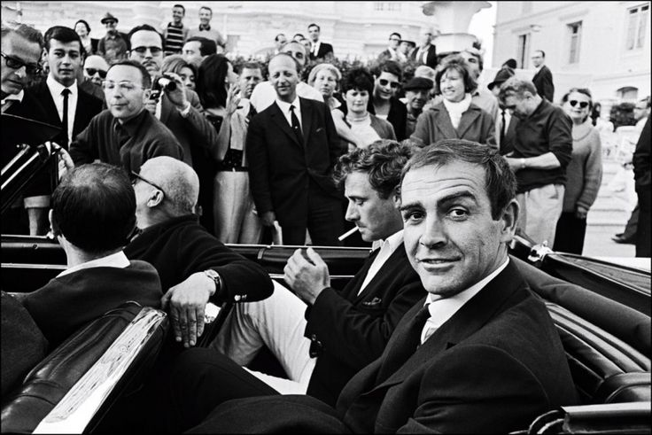In town for the 1965 premiere of Sidney Lumet's The Hill (which would win the festival's best-screenplay award that year), Sean Connery cruises the Croisette in a convertible to the delight of onlookers.