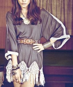 This is how to take any tunic to fab! Just add a high waited belt and loosen up the fabric around the bust! We love the power of accessories!