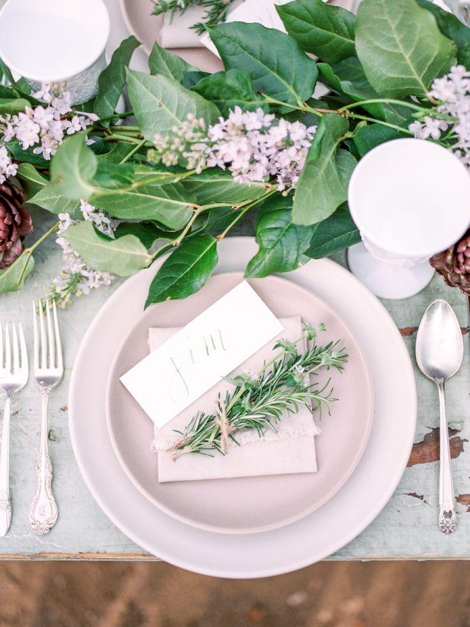 Fresh spring place setting: http://www.stylemepretty.com/california-weddings/san-juan-capistrano/2016/05/25/spring-love-community-garden-wedding-inspiration/ | Photography: Savan Photography - http://www.savan-photography.com/