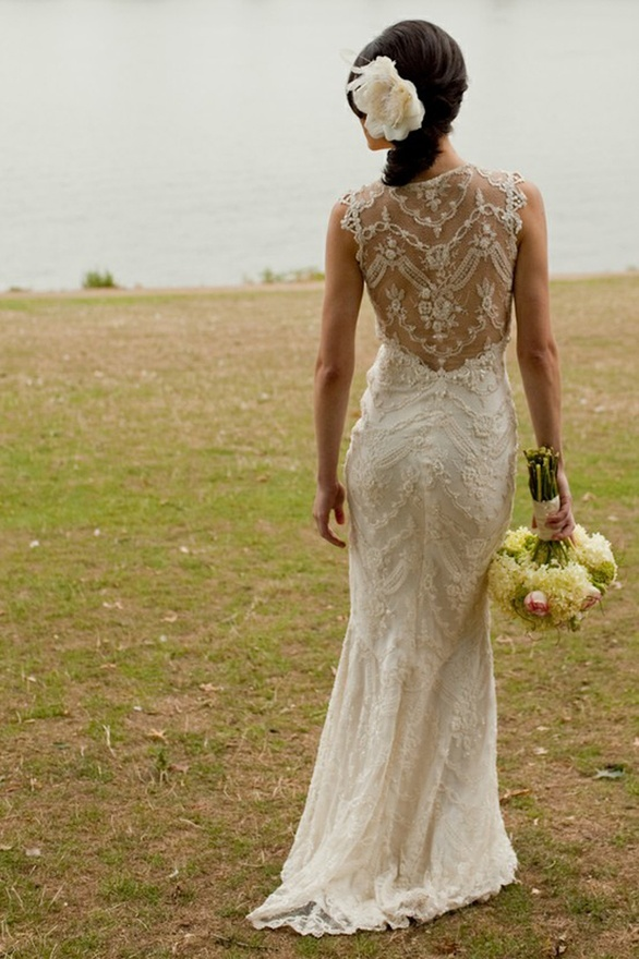 Beautiful lace back wedding gown basiamc