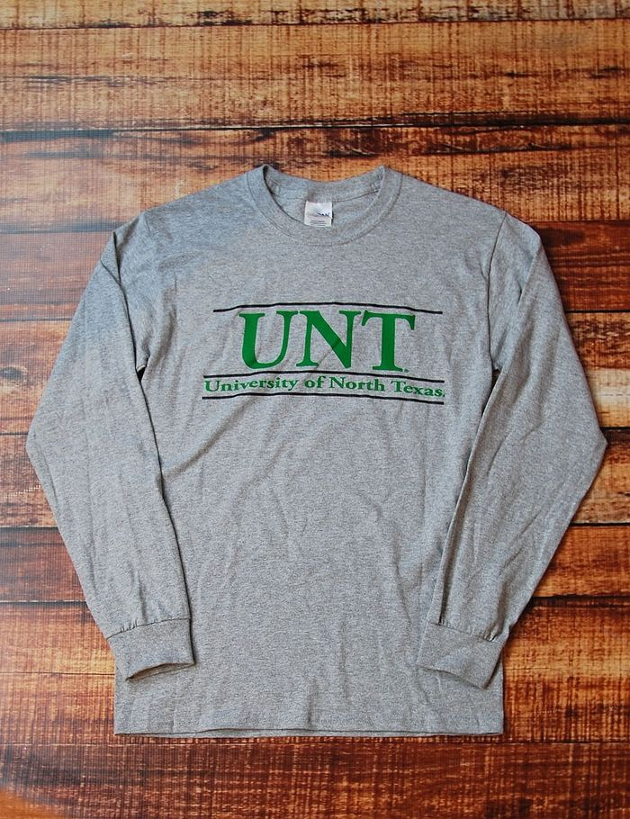 Dont you just love simple t-shirts sometimes This University of North Texas long sleeve can be dressed up or dressed down for any occasion. Go UNT Mean Green