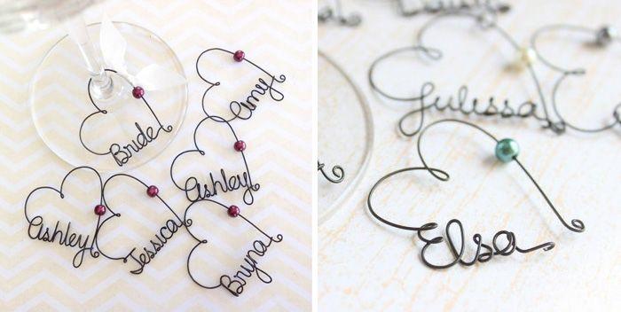 Solch originelle Namensschilder sind toll für die Hochzeit geeignet - ein exklusives Dekohighlight und Gastgeschenk in einem...
