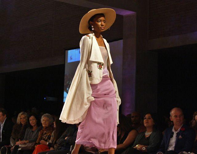 #pastel #glam #chic #fashionshow #inspiration #style #fashion #bellsleeves