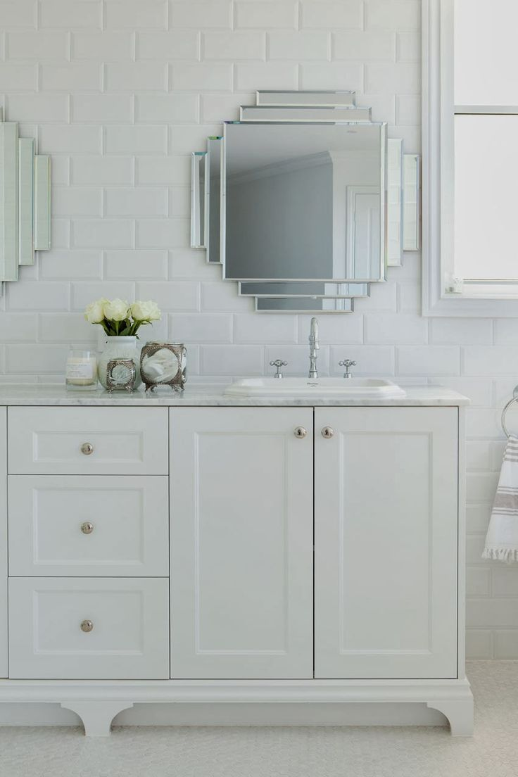 pretty art deco style mirrors Hamptons charm in Queensland