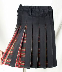 Accent pleated kilt - seems hideously complicated to achieve, but the result is stunning.
