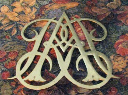 Colonial Williamsburg Queen Anne Cypher Mid Century Brass Trivet ... off to a new home!