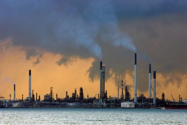 Tony De Vos: Oil slumps 3 percent on report Saudis do not see o...