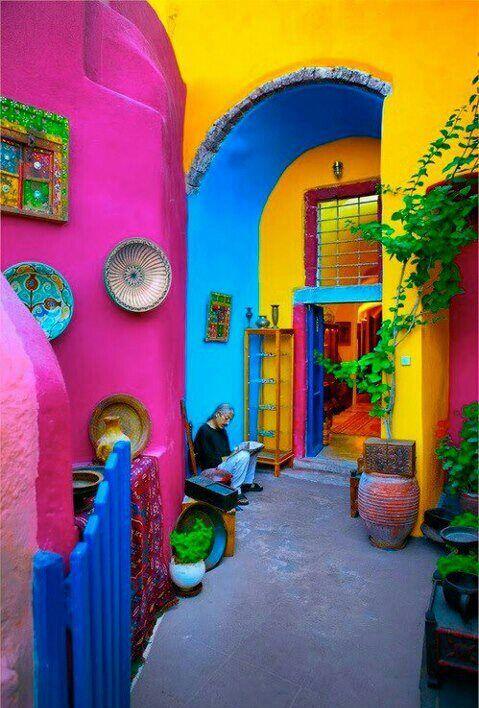 Santorini island - Greece — com Maria Petrou.