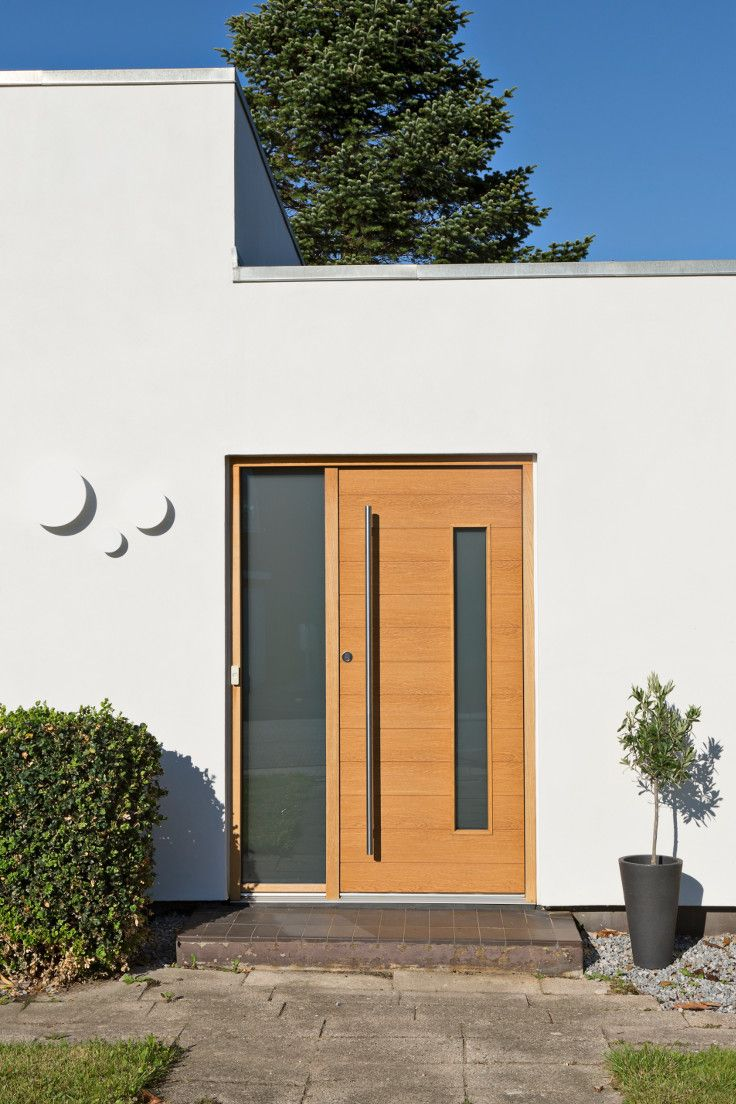 Modern exterior door model Alfa. This architectural door is custom build to fit this beautifully restored Nordic home. #vahledoor #exteriordoor #je-trae #alfa #architecture #architectural #doors