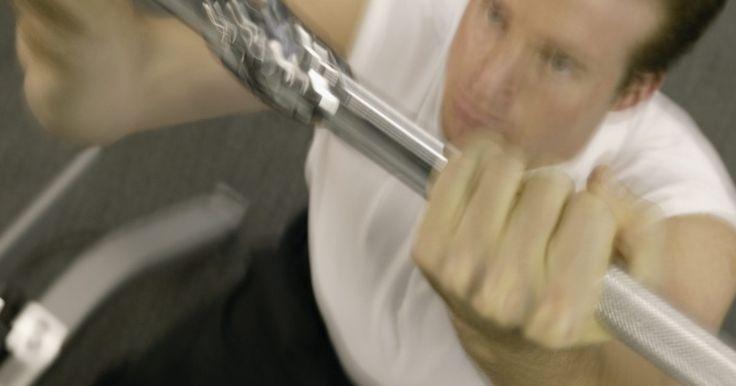 Barra de exercícios feita em casa. Exercícios em barras - tão fáceis de fazer quando estamos no colégio mas tão desafiadores quando somos adultos - é uma das formas mais eficientes de se fortalecer a parte superior do corpo sem ter que investir em mensalidades caras na academia ou equipamentos volumosos. Os exercícios nas barras desenvolvem os músculos dos ombros e costas, assim ...
