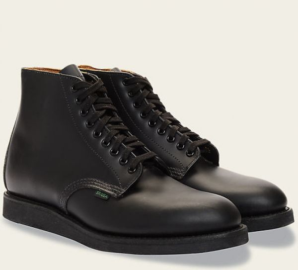 "It is said that ""the first impression is the last impression"". If you are thinking for boots online shopping, then you have landed at the right place. We have a huge range of mens boots online, from Hudson, Sanders and Sanders, Blundstone, to Red Wing boots."