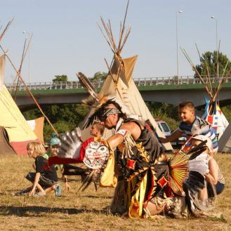 Visit the Pow-wow festival in Uniejów.  Indians rule Uniejów at the spring POW WOW – North American Indians' Music and Dance Festival – and during Indian Summer – Sat-Okh Avenue Festival. See and buy original Indian handicraft and enjoy traditional Pow Wow dance shows.