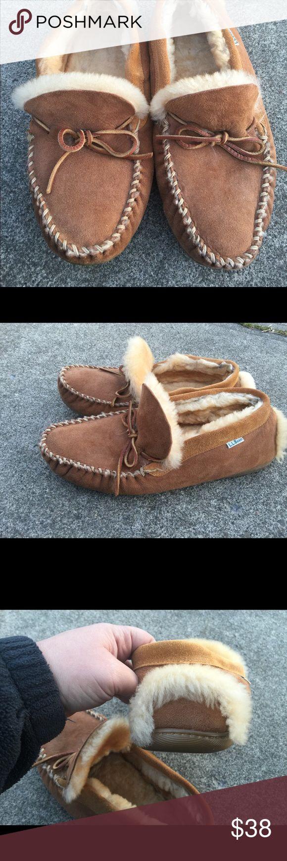 Men's L.L. Bean Tan Fur Lined Moc Slippers Size 13 Men's L.L. Bean Tan Fur Lined Moc Slippers Size 13M. Excellent Super warm Condition L.L. Bean Shoes