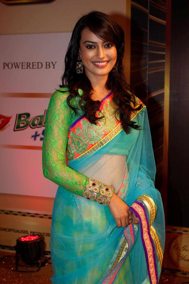 Surbhi Jyoti of Zee TV's Qubool Hai walks the Gold Carpet at the 6th Boroplus Gold Awards