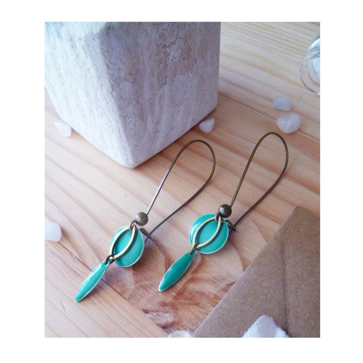 ▲ MYRIANNE ▲ Boucles d'oreilles romantiques, pendentif vert émeraude & anneau bronze ! : Boucles d'oreille par elora