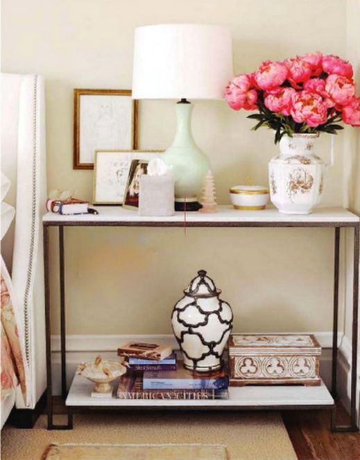 console table arrangement: Idea, Consoles Tables, Nightstand, End Tables, Bedside Tables, Night Stands, Guest Rooms, Flower, Tables Style