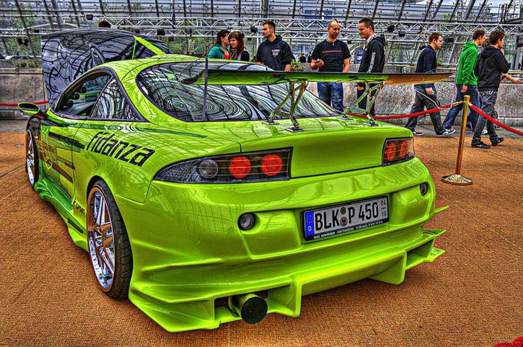 Carro verde tunado