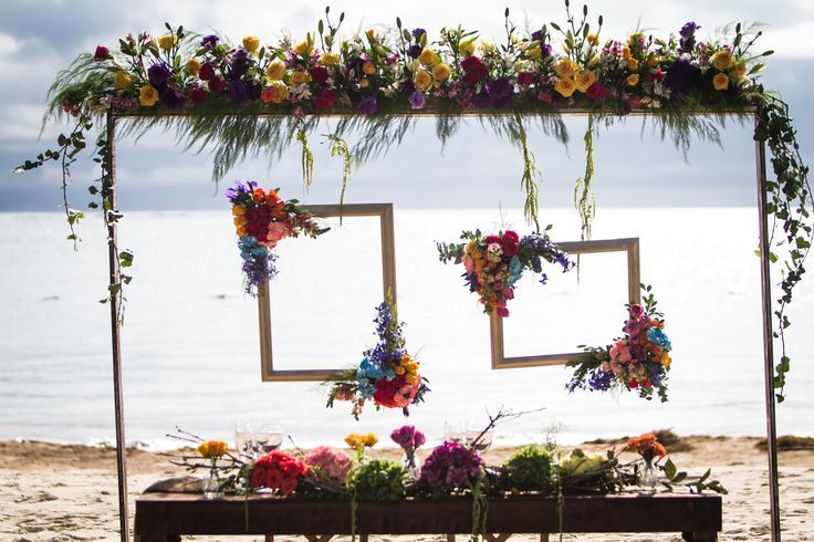 Isn't this wedding table display amazing. They have access to every flower under the sun it seems here. Dreams Riviera Cancun Mexico #lizmooreweddings #lizmooredestinationweddings #Lizmooremexico #lizmooredreamsrivieracancun
