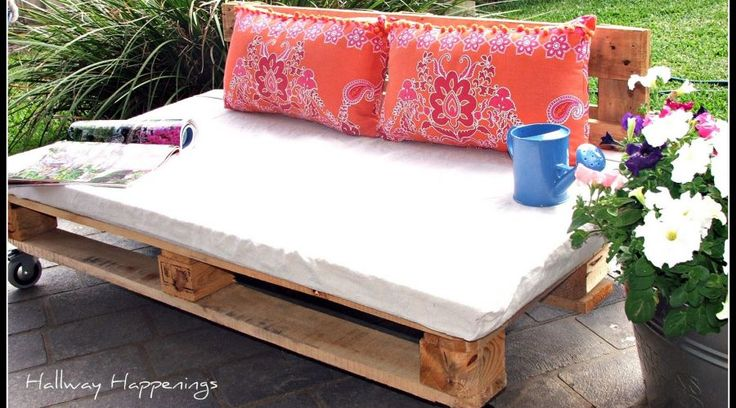 Pallets Become Outdoor Furniture tutorial