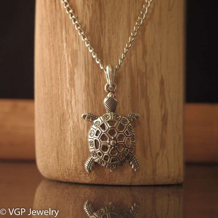 Mooie Schildpad Ketting: lange zilverkleurige ketting