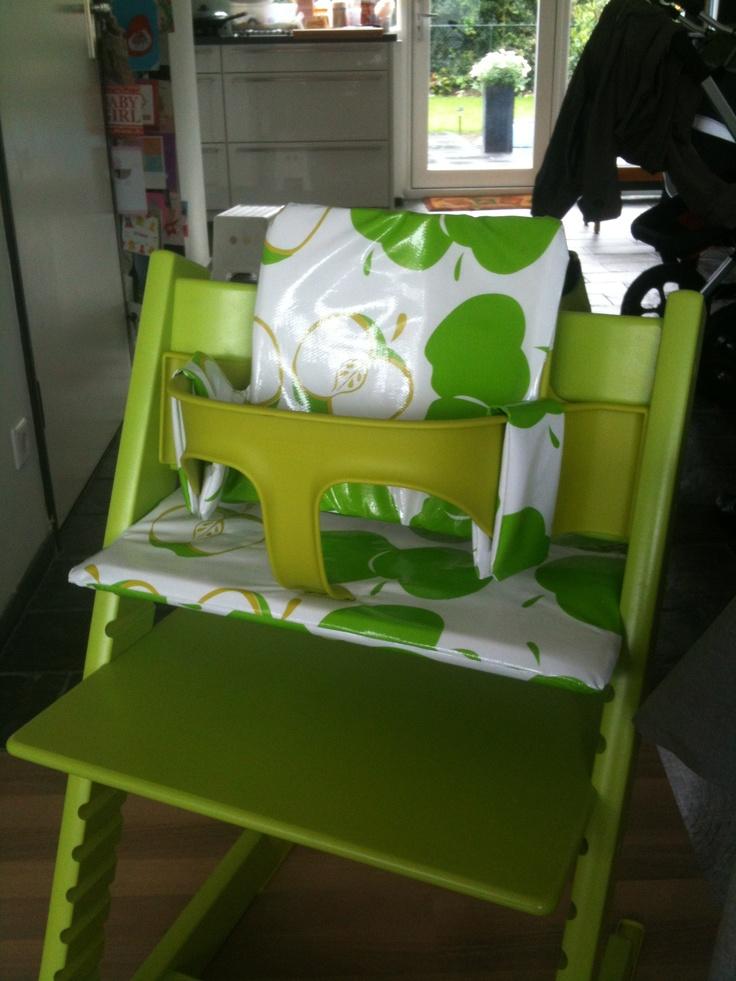 stoelverkleiner gemaakt voor in de stokke tripp trapp van tafelzeil en met 1 cm dik schuimrubber. Black Bedroom Furniture Sets. Home Design Ideas
