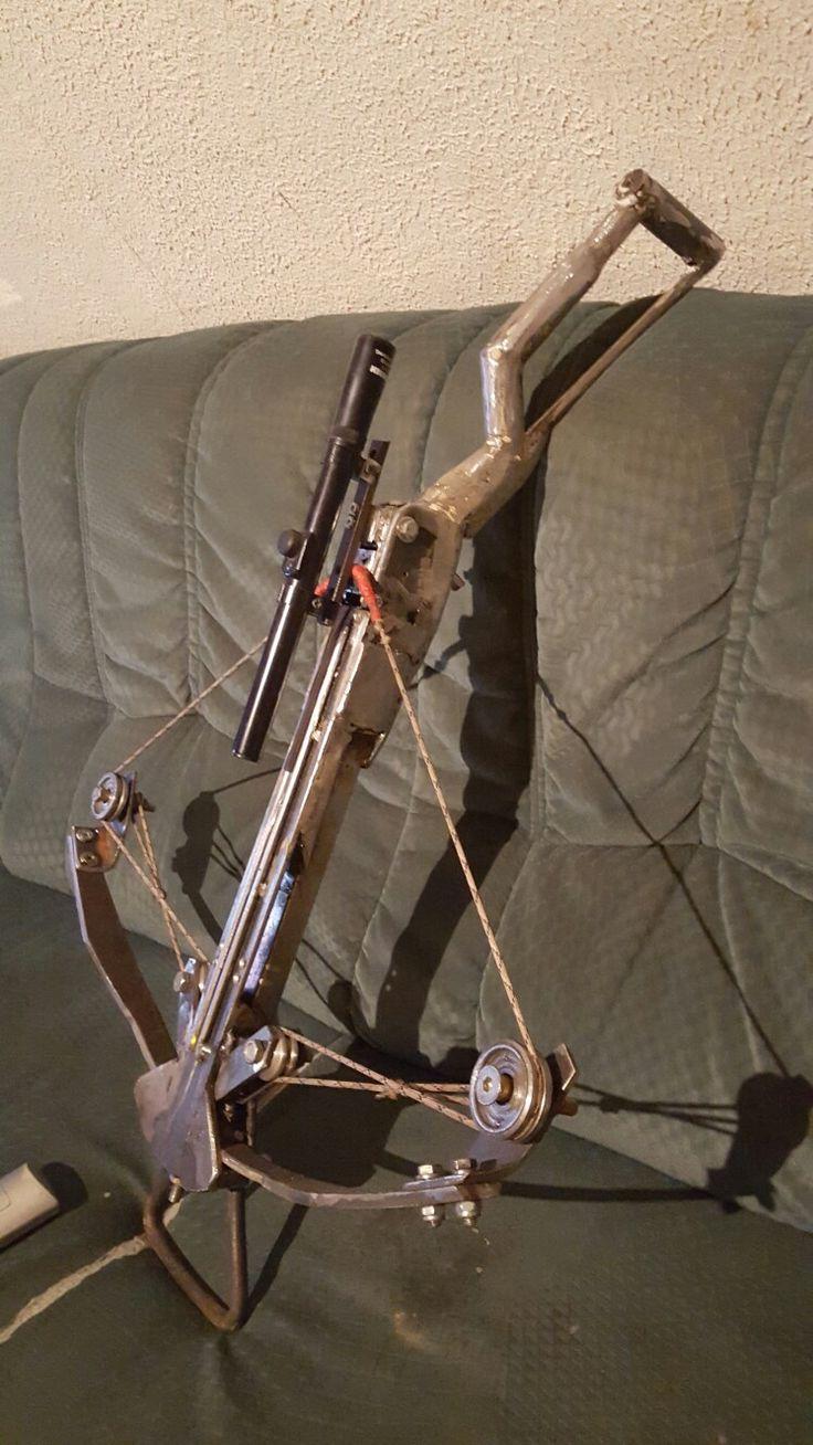 homemade Crossbow Armbrust eigenbau (durch zwei weitere rollen in der mitte noch kräftiger da die sehne sich nicht mehr kreuzt