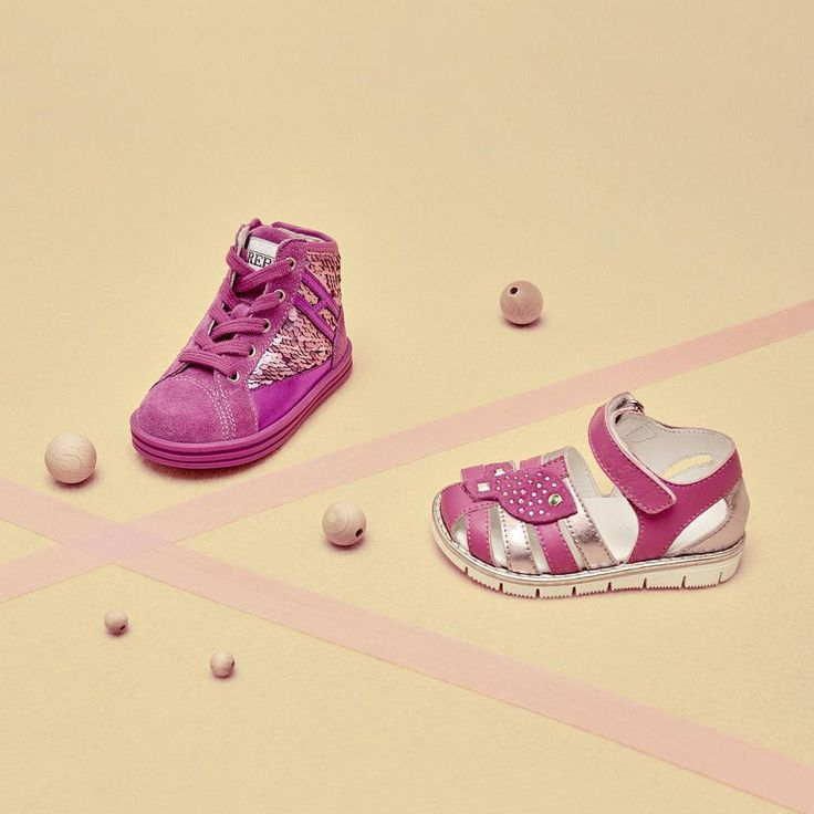 Cute glimmering pink on #HoganJunior #R141 Hi Top #sneakers and sandals