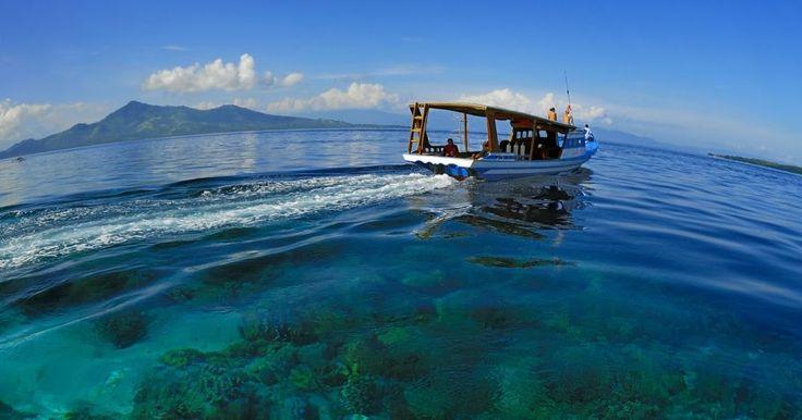 Bunaken atau yang mungkin lebih terbiasa kita sebut sebagai Taman Laut Bunaken, merupakan salah satu unggulan dari Indonesia yang begitu mempesona