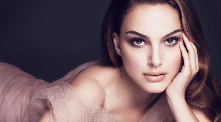 Famous Women Reveal Their Net Worth   TomorroWoman