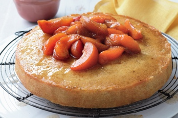Stock up on fresh, seasonal apricots to create stunning desserts - like this almond cake with bean syrup!