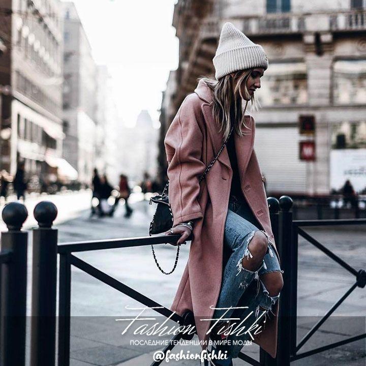"""Многие задумывались о покупки классического пальто , но останавливал вопрос -""""с чем носить?""""В вашем гардеробе найдётся множество удачных дополнений. Джинсы подойдут для загородных прогулок и встреча с подругами , брюки - в рабочие дни , платья и юбки - для свиданья. К тому же, пальто из кашемира согреет Вас в осенне-весенние месяца. Нравится? Вам сюда👉@_lolo_atelier"""