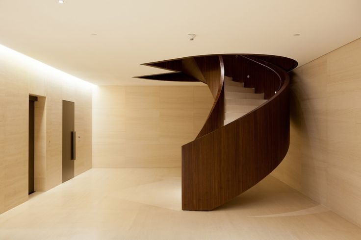 Amazing interior, minimalist and chique! Bic Banco Headquarters / Kiko Salomão