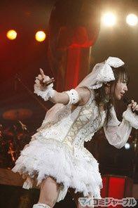 水樹奈々、今年の夏はさいたまスーパーアリーナで全力全開! 「NANA MIZUKI LIVE JOURNEY 2011」開催 | マイナビニュース