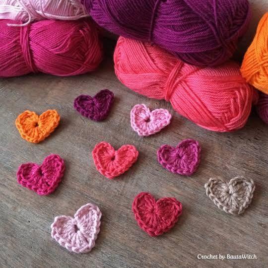 Det kan aldrig bli för många hjärtan, eller hur!? I synnerhet inte nu när det är Alla Hjärtans Dag på fredag! Igår var jag och gjorde mina naglar och då passade jag på att få dem vackert dekorerade…