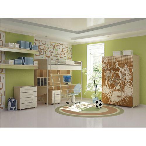 Если ваша детская комната рассчитана на одного ребенка, то на первом этаже двухъяросной кровати обычно располагается письменный стол, тумбы под игрушки и книжки, либо шкаф для одежды. Для двоих ребятишек, существуют двухъярусные кровати - на первом и на втором этаже.