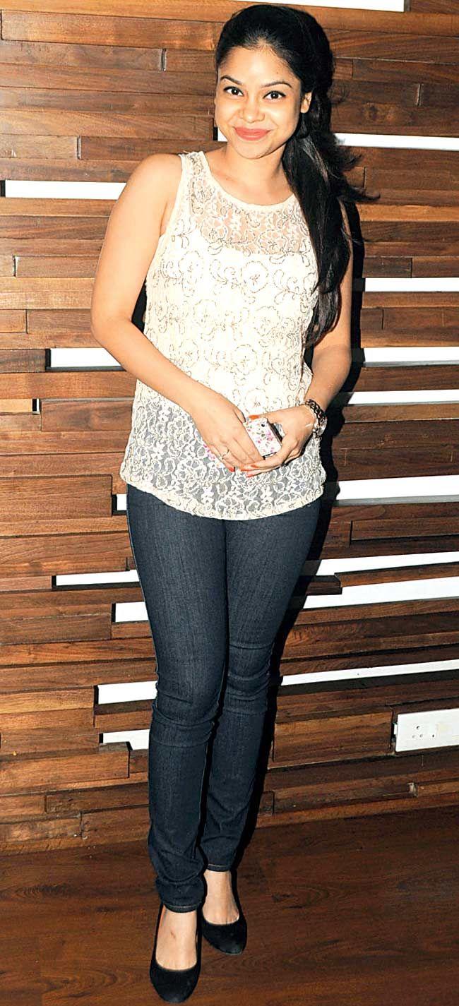 Sumona Chakravarti #Style #Bollywood #Fashion #Beauty #Page3