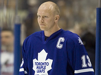 Mats Sundin No 13 jersey raised to the rafters at the ACC - He's a class act!