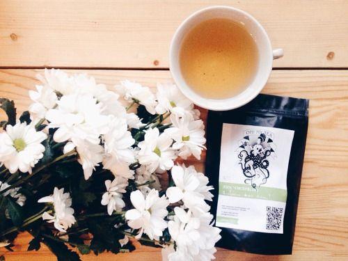 Не забудьте купить подарки своим мамам, сестрам, подругам и всем-всем любимым женщинам.💐 У нам для такого случая есть цветочные и жасминовые чаи. 🌸 #ohmytea #ohmytearu #ohmytea_ru #spb #tea #чайная #чай #кофе #кофейня #спб #петербург #подарок #8марта...