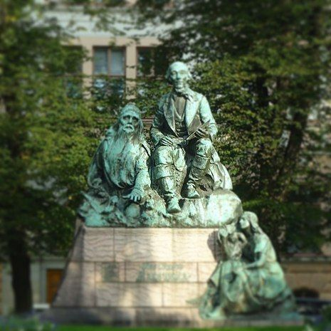 ..Bronze statue in Helsinki of Elias Lönnrot, 'best known for writing the Finnish national epic 'Kalevala' ..The long-bearded guy beside him is Väinämöinen the hero of the story. Statue by Emil Wikström 1902.  #finland100_igchallenge  26/100... 'posting a series of random images from or associated with Finland to celebrate the country's 100th anniversary. #kalevala #eliaslönnrot #väinämöinen #emilwikström #finnish #weareinfinland #helsinki #folklore #monument #finnishmythology