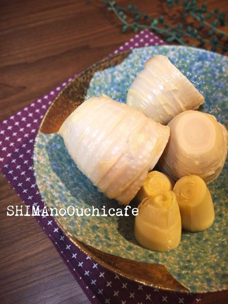 米ぬか不要!簡単!時短!美味しくできるタケノコの茹で方 by SHIMA / 筍の面倒なアク抜きも約半分の時間で、しかも簡単にできちゃいます。米ぬかも不要!手間も少なく簡単で時短にできる筍の茹で方と保存法。実家から届いた筍を美味しいうちに頂きたくて。毎年送ってくれる掘れたての筍とともに母から伝授した方法です。 / Nadia
