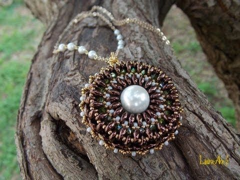 Tutorial: ciondolo con perline Twin o Superduo / Pendant with Twin or Superduo beads (bead work) - YouTube