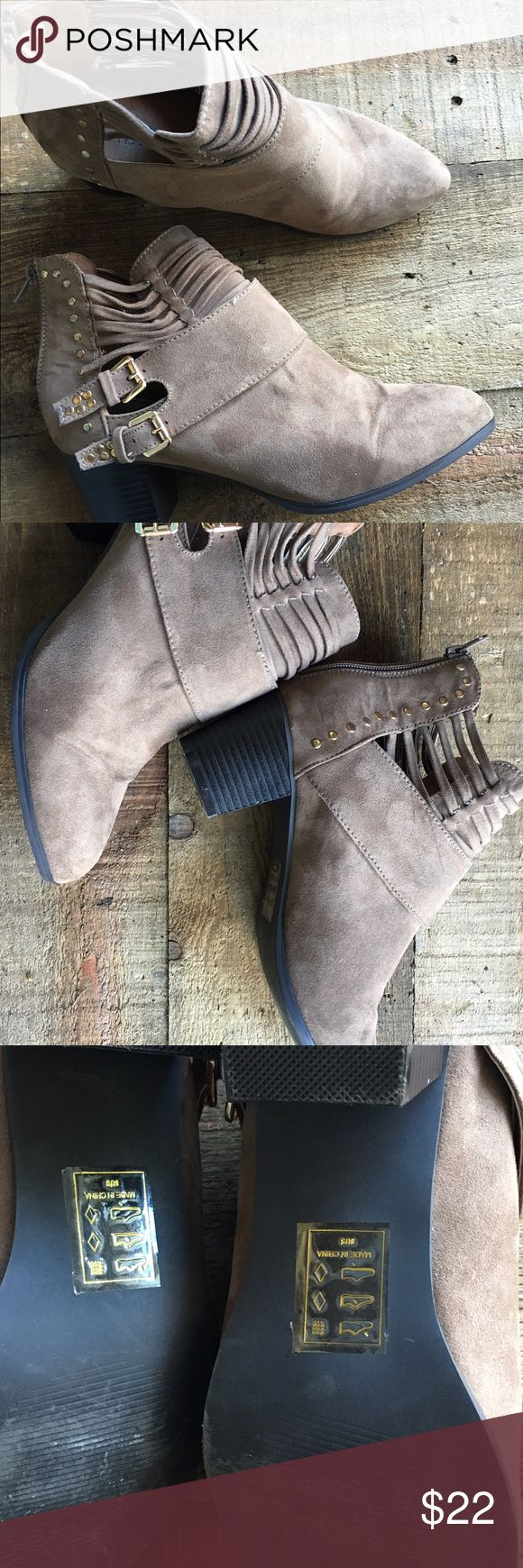 Shoe Dazzle Booties Size 8. Great shape, worn once. So cute! Shoedazzle Shoe Dazzle Shoes Ankle Boots & Booties