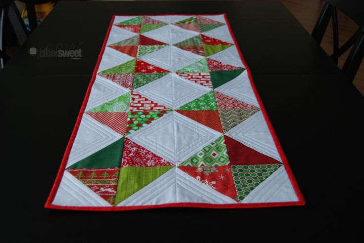 Christmas Diamonds Table Runner - http://blog.sewbittersweetdesigns.com
