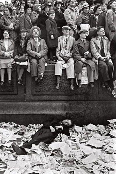 Trafalgar square on the day of the coronation of George VI, London, UK. 1937  \\ Henri Cartier-Bresson