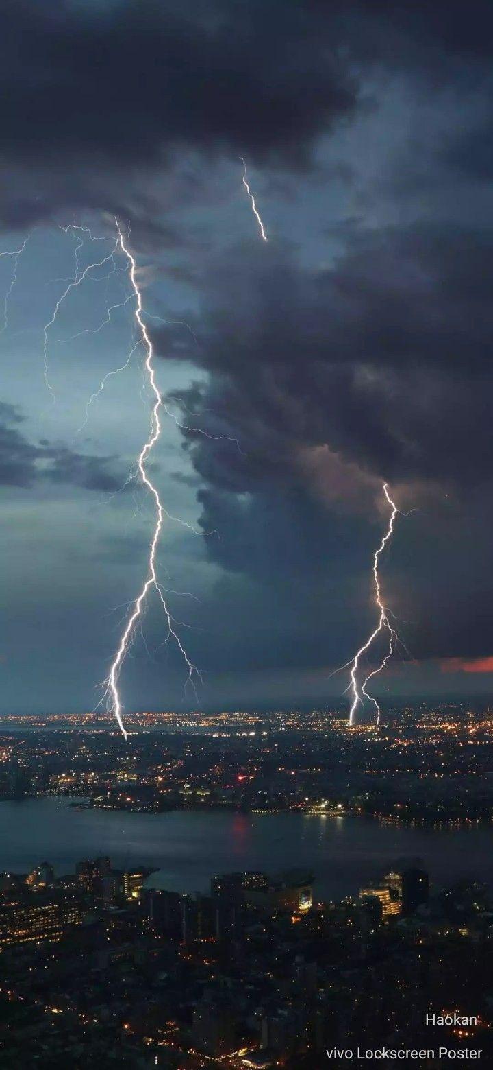 Kilat Lightning Wallpaper 4k Background Storm Wallpaper Iphone Backgrounds Nature
